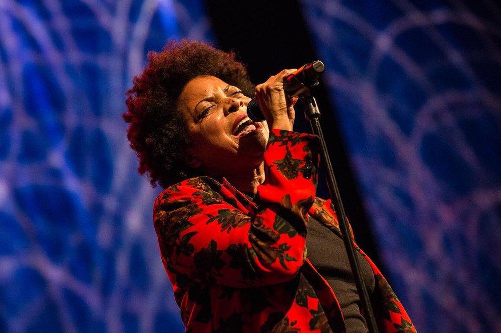 https://www.billboard.com/articles/news/concerts/8492862/roy-hargrove-jazz-at-lincoln-center-concert-tribute-common-norah-jones    https://youtu.be/WQx3fBknlUc