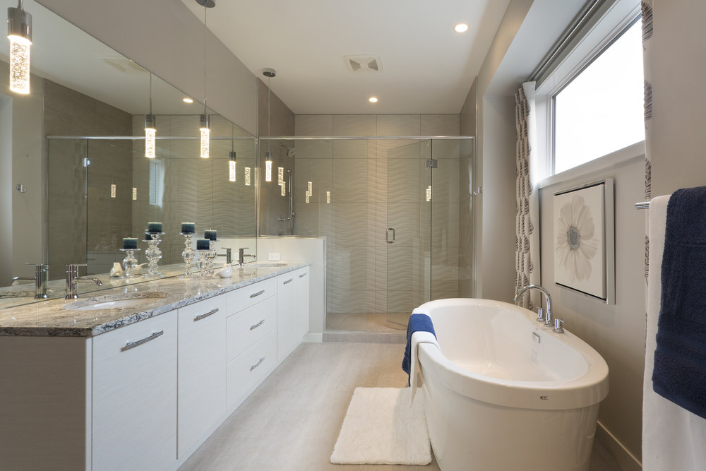 Warkentin Homes Ltd. 273 Saddleridge Lane ensuite.jpg