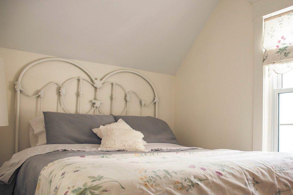 North guest room (sleeps 2)