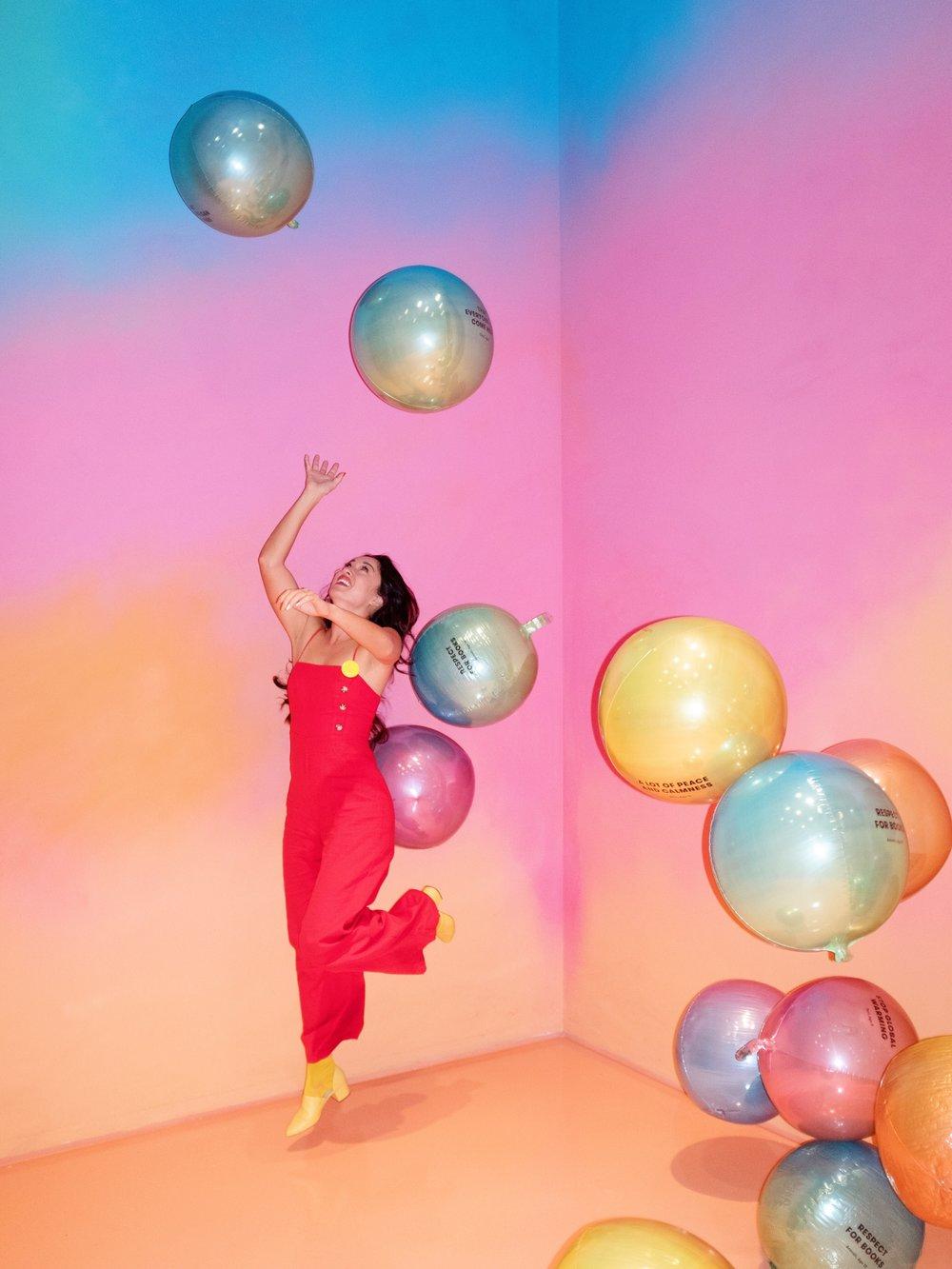 colorfactoryballoons.JPG