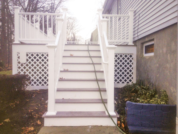 deck-steps-lattice.jpg