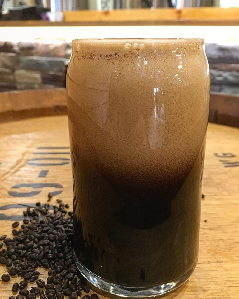 MOKAYACHOCOLATE STOUT6.5% ABV - Brewed with a heavy amount of chocolate malts, this one is rich, chocolaty and smooth as velvet.