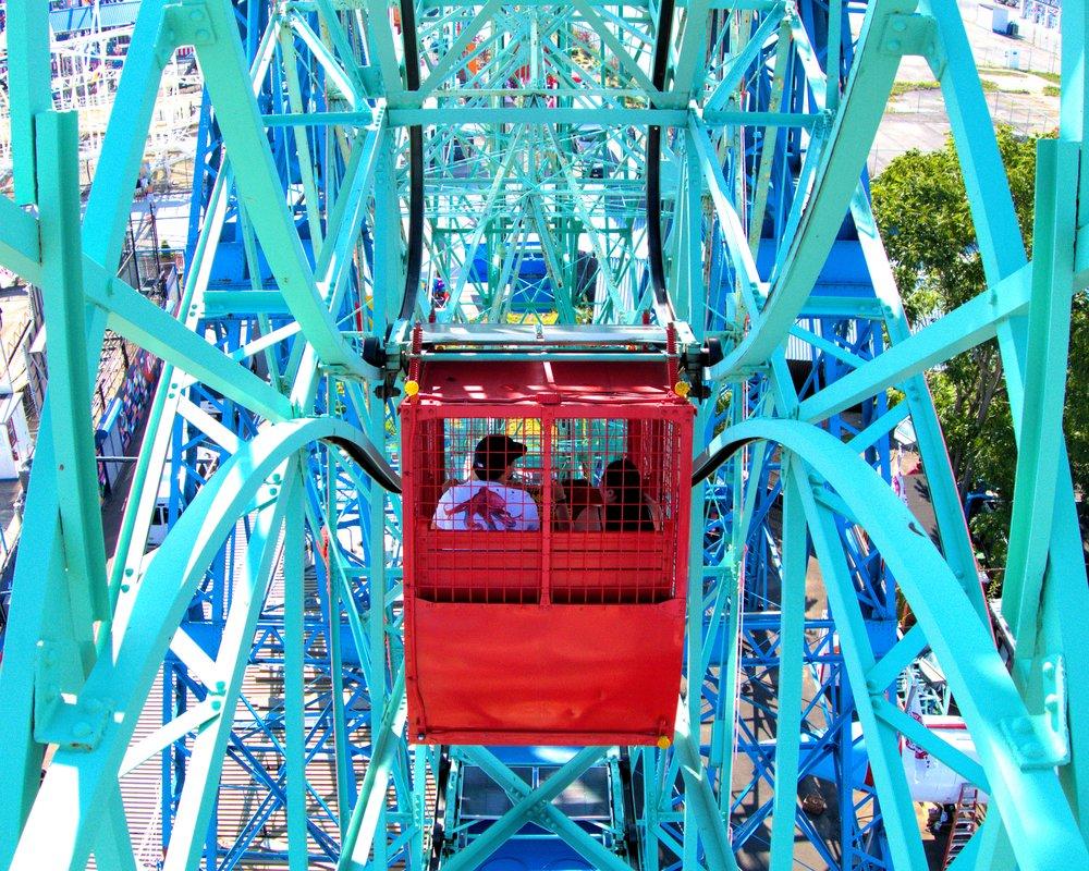 cart on deno's wonder wheel