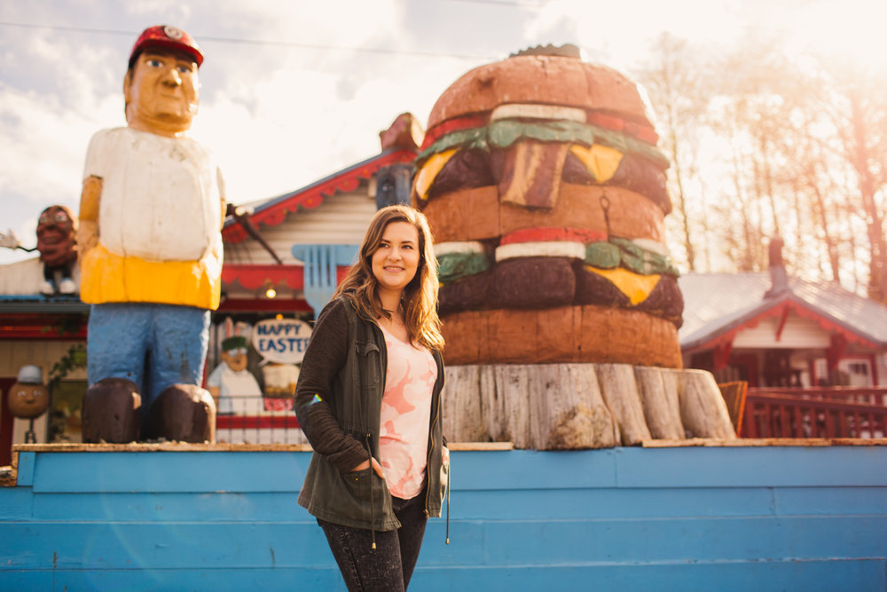 Tourist Travel to Fat Smitty's Burger Dinner in Sequim Washington Hannah Christine Style Blog Spring Fashion Outfit Inspiration-14.jpg