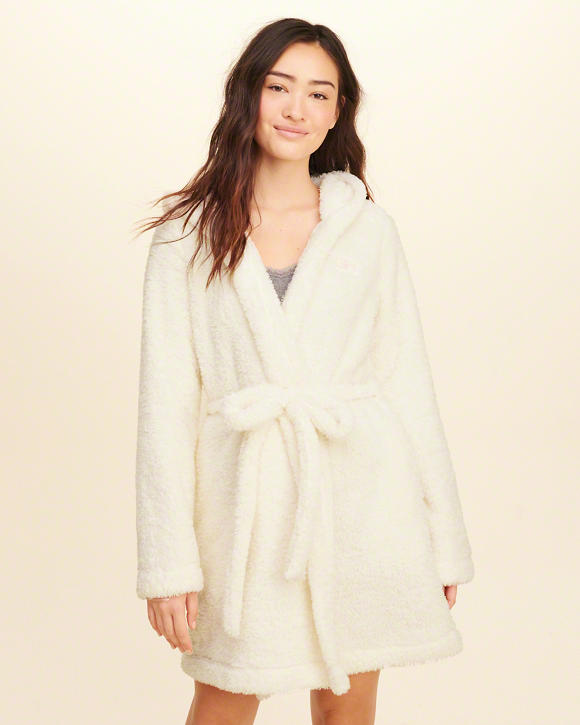 cyber monday sales hollister soft fuzzy sherpa robe.jpg