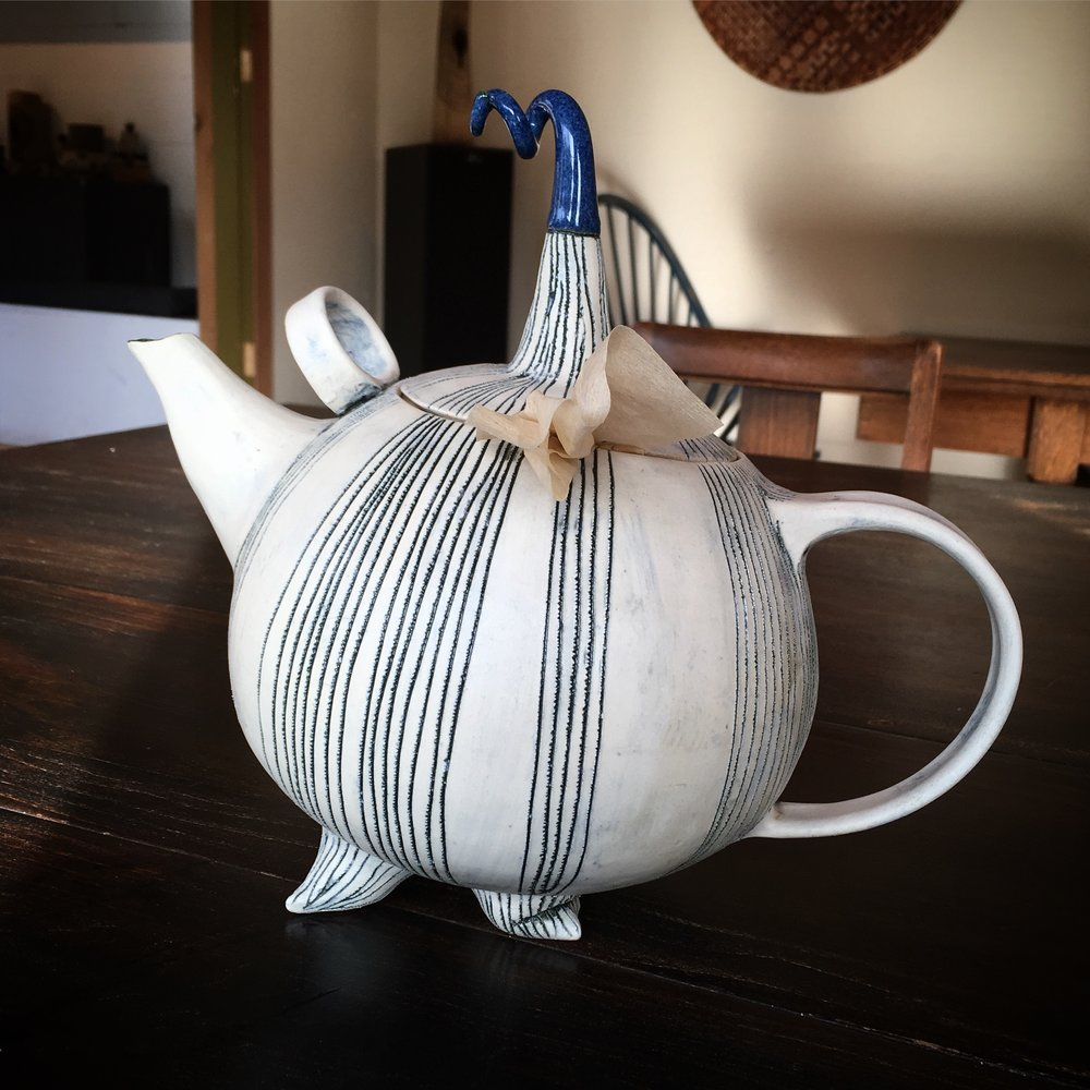WESTHOLME TEA FARM & MARGIT NELLEMANN CERAMICS - COWICHAN VALLEY
