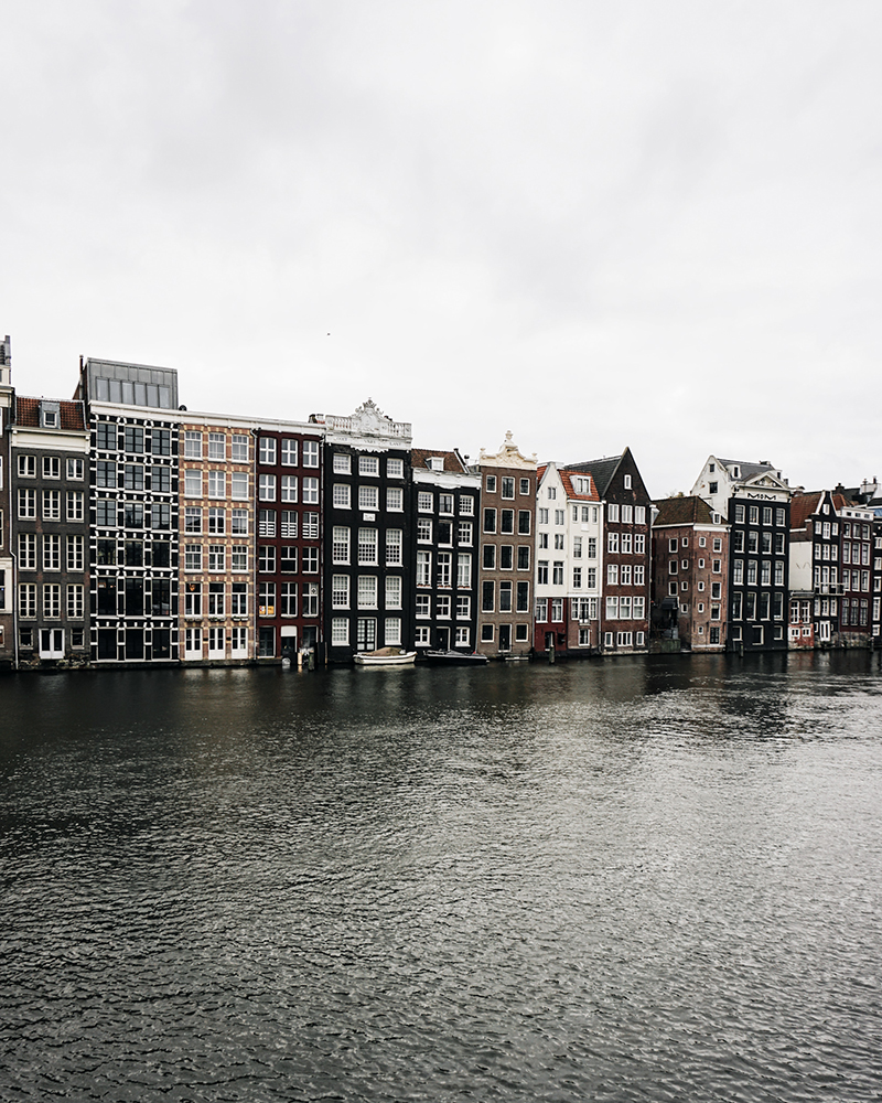 Theseptemberchronicles_amsterdam_house2.jpg