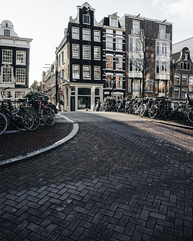 Theseptemberchronicles_amsterdam_house6.jpg
