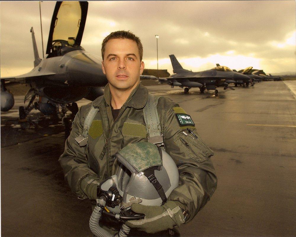 Troy F-16.jpg