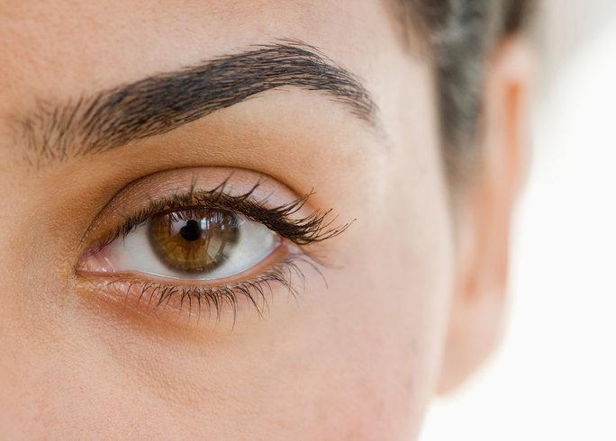021216-eyebrow-tinting-lead.jpg