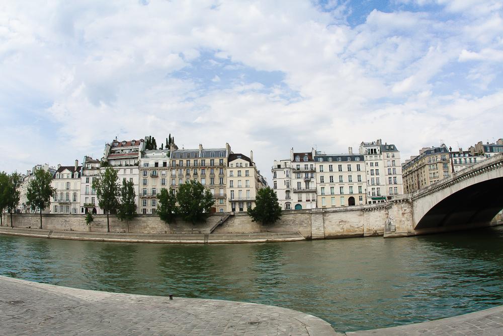 My favorite view of the tour - Île Saint-Louis
