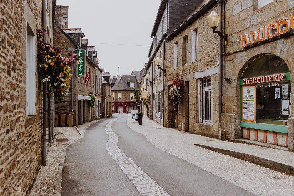Saint-Brice-en-Cogles, Maen Roch