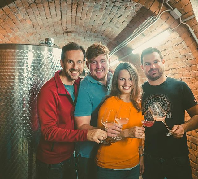 Dancing with the wolf 🐺 let me introduce you to the phenomenal duo Matthias & Peter from @peterundderwolf_wein 🙌😁💪🏻 I am really honoured to share a winecellar with you guys ❤️ thanks for all the help 😍 now big things can finally start! 🙌 #pudw #peterundderwolf #austrianwine #lifeisbetterwithbubbles #austrianchampagne #femalewinemaker #petillantnaturel #methodetraditionnelle #methodetraditionelle #champagne #bubbles #sekt #austriansekt #teamwork #kamptal #weinviertellove #weinviertel #naturalwine #bettertogether