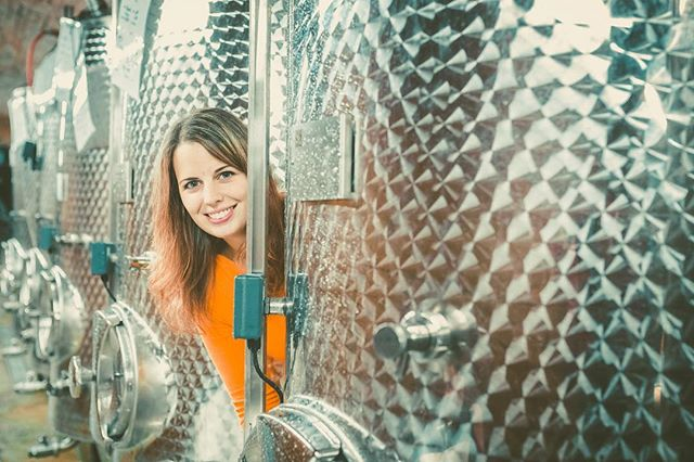 If you ever search me, look me up in my happyplace 😁🍾🍷🍇 #lifeisbetterwithbubbles #methodetraditionnelle #austrianwine #petnat #femalewinemaker #cellar #winecellar #happyplace #christinahugl #sekt #austriansekt #sparklingwine #petnat #petillantnaturel
