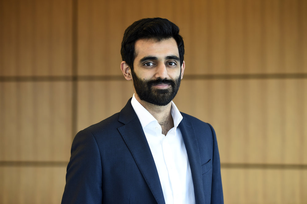 """Hamza Farrukh   Founder & Executive Director   Hamza graduated from Williams College in 2015, and studied abroad at University of Oxford; Hamza was nominated to the Forbes 30under30 Class of 2018, is a Davis Projects for Peace Fellow, and two-time winner of the Sloane Coffin Public Speaking Prize. Hamza was featured on Pakistan's national television as the """"Pride of Pakistan,"""" and has been featured on several international media outlets including  Cornell Policy Review,  the  Express Tribune  and the  Oxford Globalist . Hamza founded  Bondh-E-Shams  in 2014 and has since managed and overseen its expansion across Pakistan, United Kingdom and the United States. He currently works at  Goldman Sachs."""