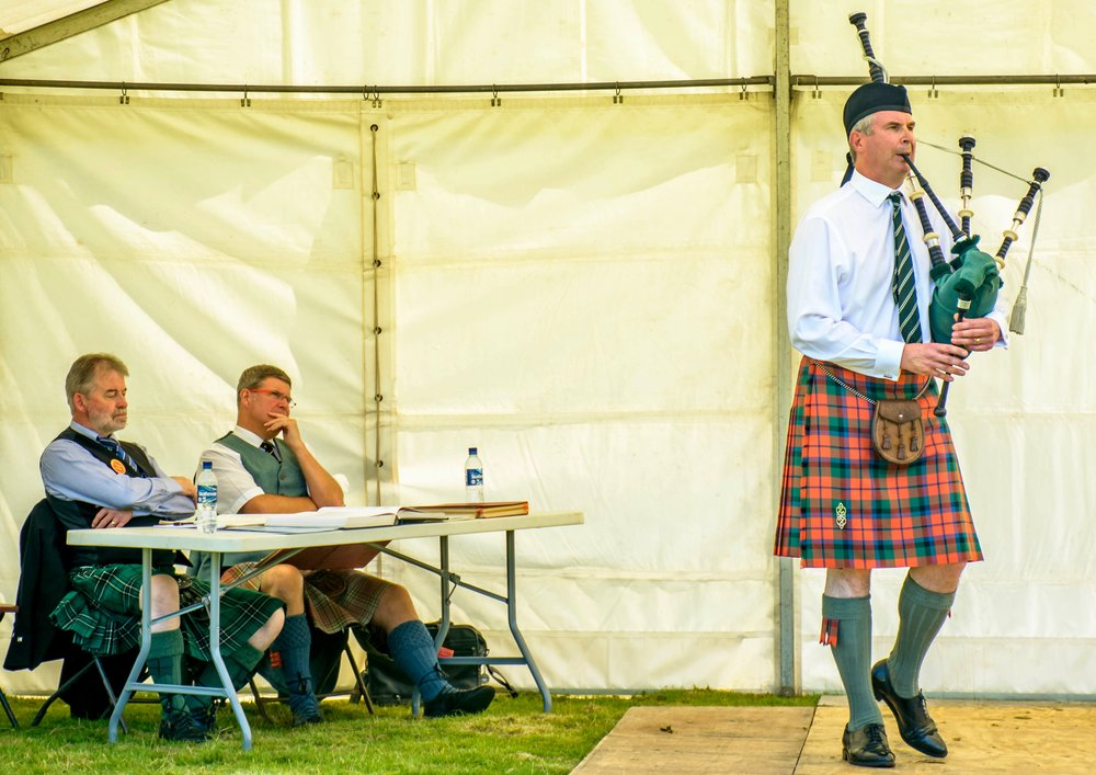 A spot of judging for me at a very sunny Inveraray games June 2017. John Frater on the boards