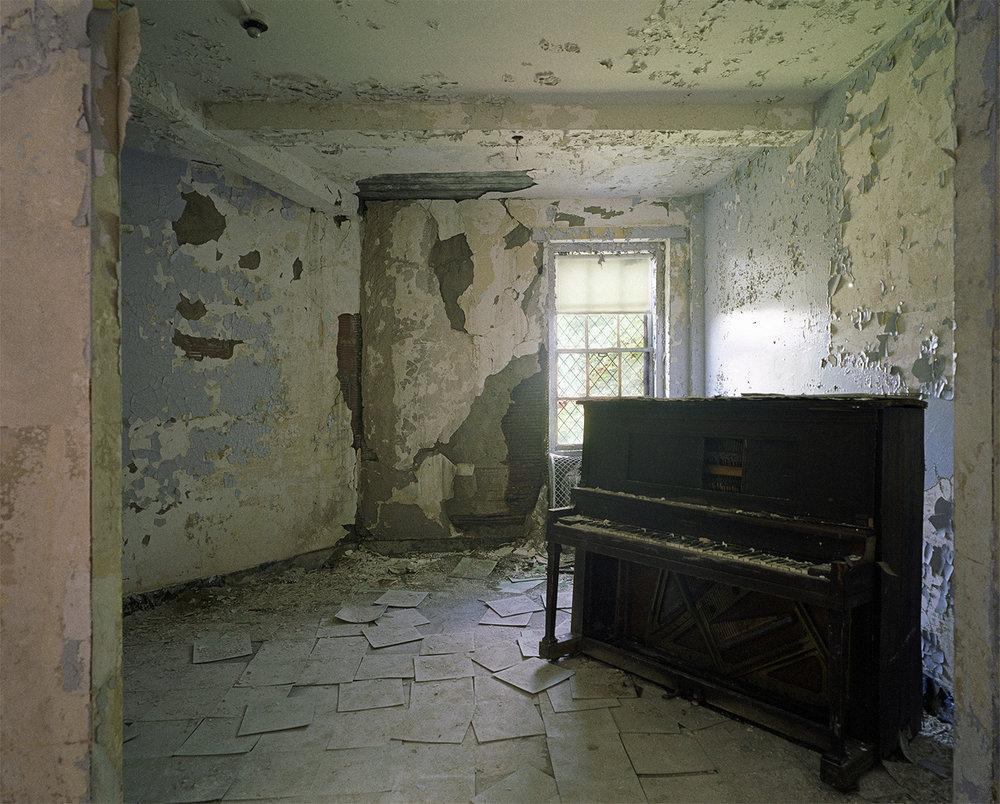 Buehler.piano.jpg