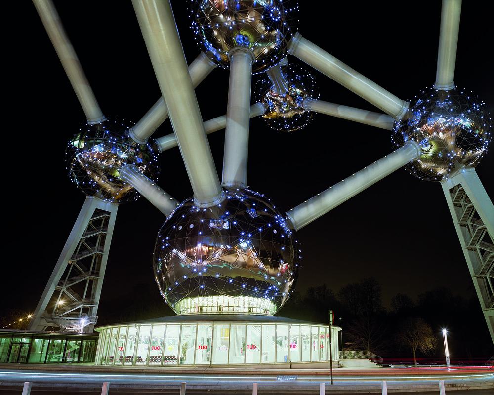 Jade_Doskow_Brussels_Atomium_Night.jpg