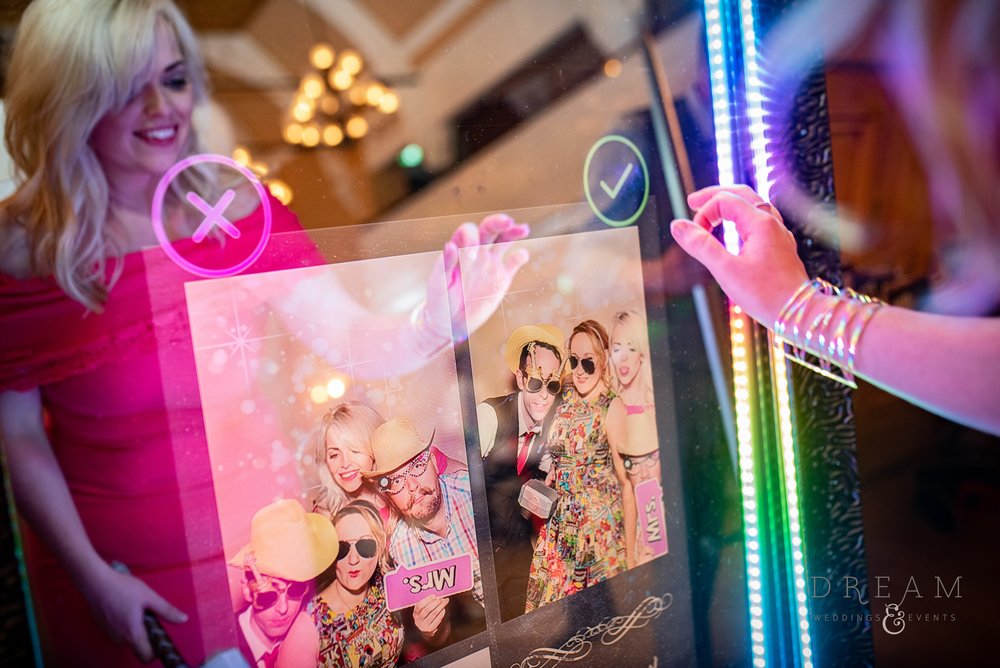 Hire Wedding Magic Mirror Nottingham. Derby, Leicester, East Midlands.