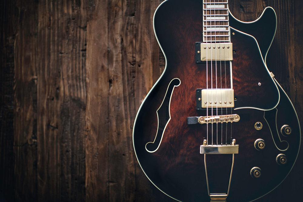 LockAndDamEatery Guitar 01.jpg