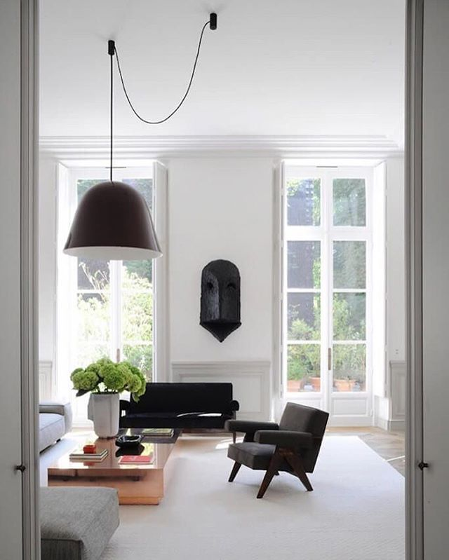 """My weekend inspo is here!! Jan Showers once said that """"every room needs a touch of black, just as it needs at least one antique piece"""". I don't need to be convinced about the latter, but I'm still learning to embrace black. This space by #JosephDirand is a perfect case study, don't you think?🖤"""