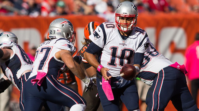 Garoppolo in clean-up duty against the Browns in a Patriots 33-13 victory last season (NESN)