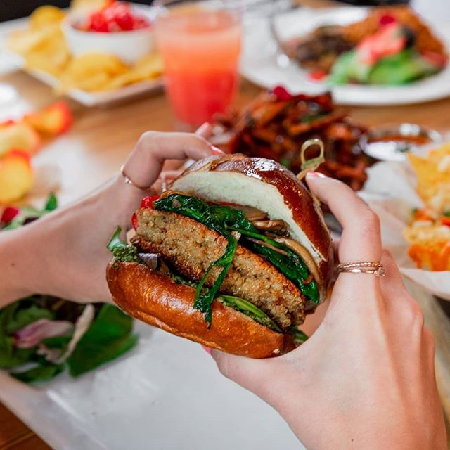 Last thing on the #blackfriday bucket list. Burgers and happy hours drinks. 🍔🍻🥂 #monkievenings