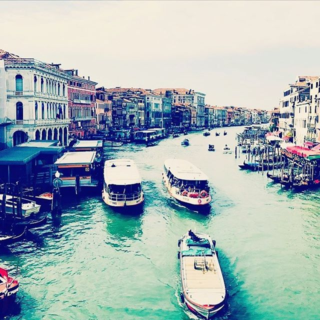 #tbt to our trip to Venice... such a beautiful & romantic city.