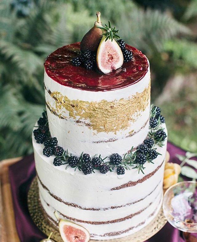 Weekly Wedding Inspo... we bet it tastes as good as it looks #regram @queen_bee_cakes #autumn #wedding