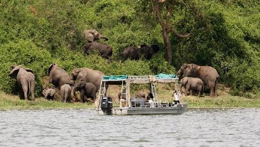 mweya safari lodge 9.jpg