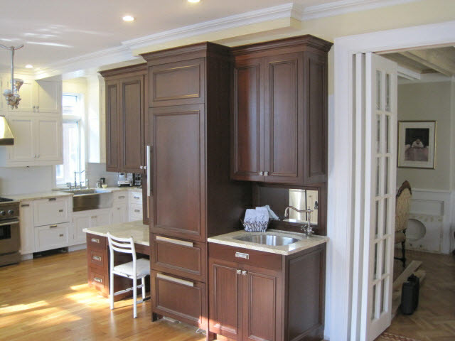 white-lacquered-maple-and-stained-quarter-sawn-sapelle-kitchen-3.jpg