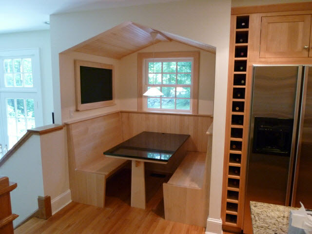 built-in-hard-maple-breakfast-nook-1-8.jpg