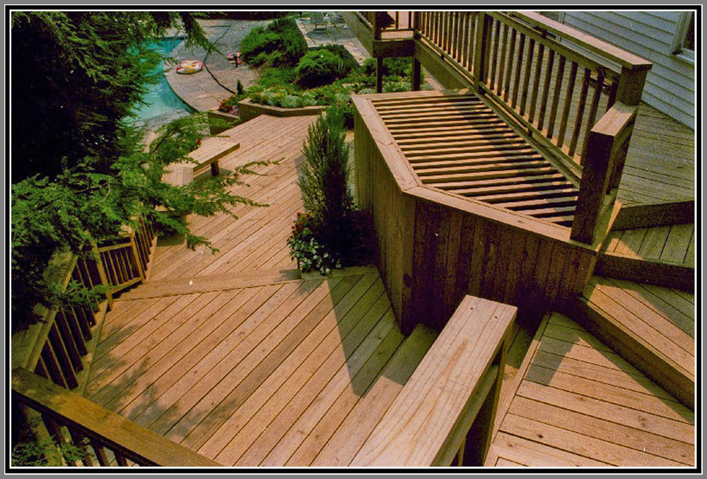 Custom Wood deck by Artistic Outdoors