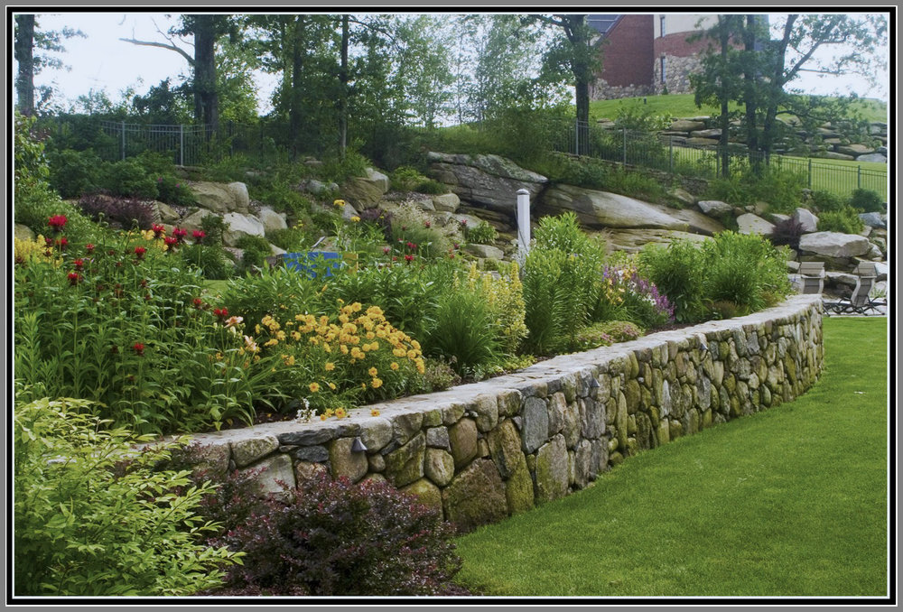 Perennial Wall Gardens by Artistic Outdoors