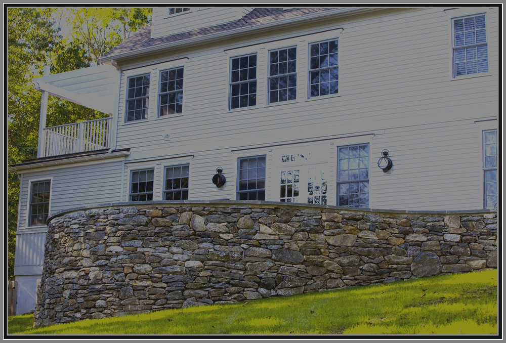 Fieldstone wall by Artistic Outdoors