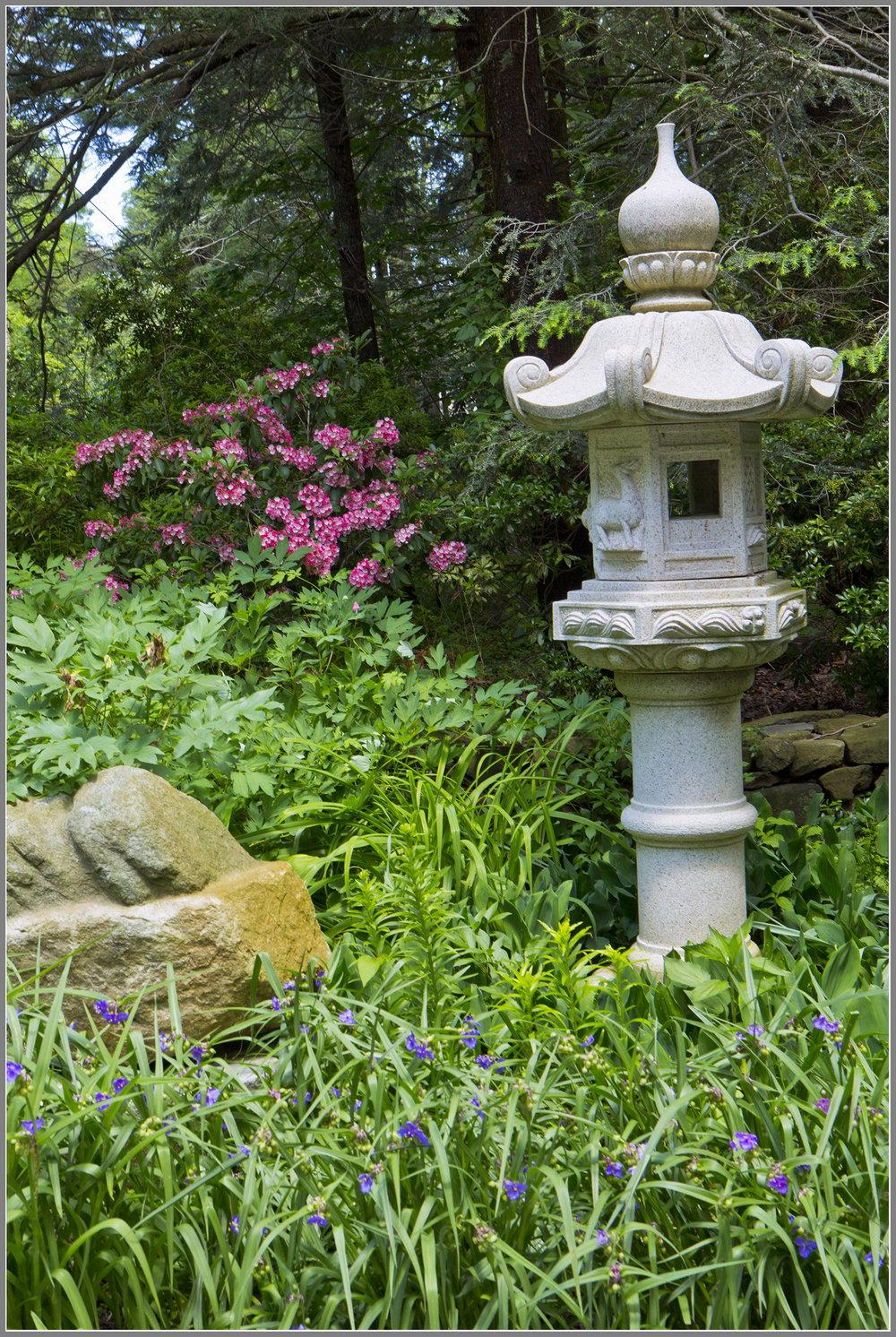 Japaneses stone lantern