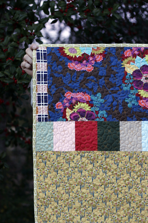Forgetmenot quilting. Stitched in Color.jpg