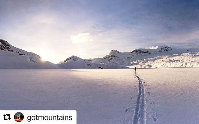 Featured photo @gotmountains ・・・ Time moves on regardless of what we do. We can't manage time, but we can manage our self. I've been thinking a lot more lately about being less logical about my time management and more emotional about it. In turn, the urgent, or important has taken a back seat to what is significant. #yegacc #yeg #alpineclubcan #alpineclub #alpineclubofcanada #climbing #rockclimbing #skitouring #hiking #mountains #explorealberta #outdoors #alberta #alpinism #getoutside #scrambling #mountaineering #iceclimbing #mountainlife #mountainadventures
