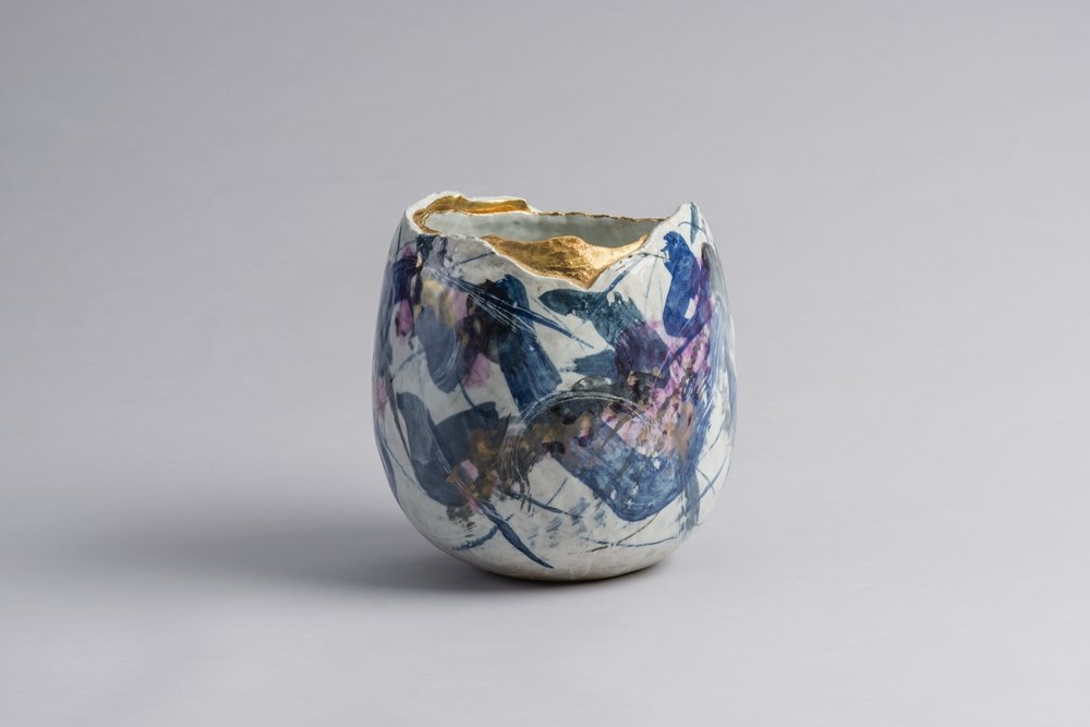 Gold-Glazed Vase / 染付金彩花器