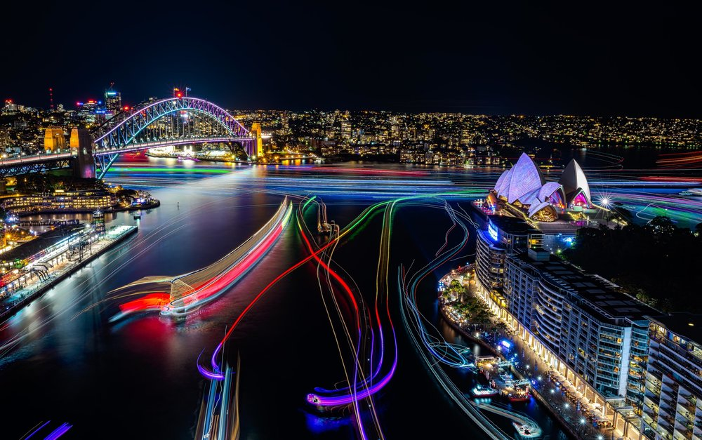 Vivid-Sydney-2016_Sydney-Harbour_CREDIT-Destination-NSW_KM-5698-.jpg