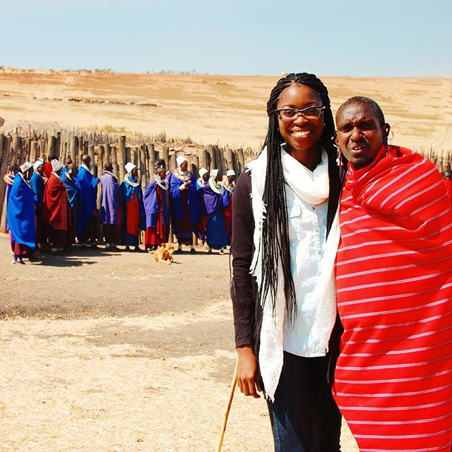 You, me and the Serengeti 💕 //oboralux • • • • • • • • • • • #throwback #fashion #travel #insta #africa #Tanzania #maasai #maasaivillage #ethnicjewelry #wanderlust #instatravel #travelforculture #fashionisglobal #lifewelltravelled ✈️#fbt #throwback