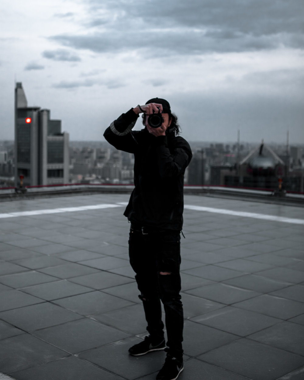 @nathan_qi-finds-himself-on-the-rooftop