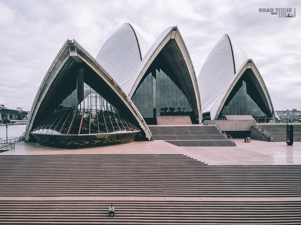 sit-alone-at-sydney-opera-house.jpg