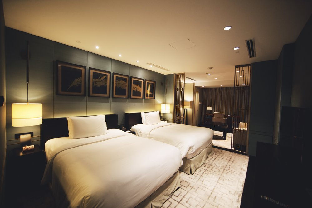 twin-bed-room-at-waldorf-astoria-beijing.jpg