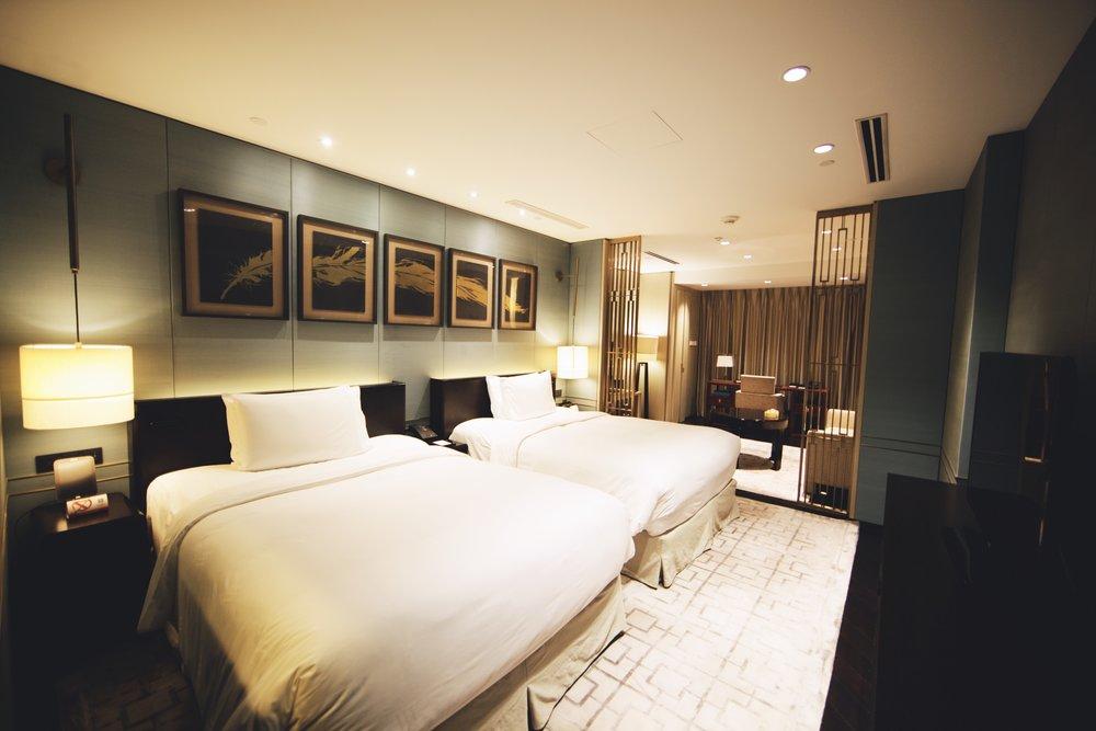 interior-design-guestroom-waldorf-astoria-beijing.jpg