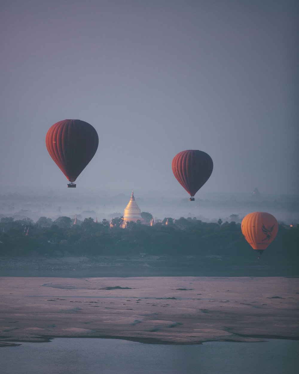 Balloon over pagoda in Bagan