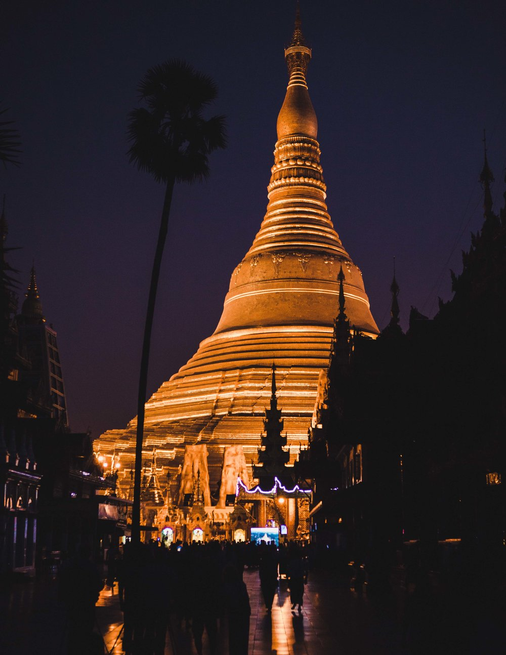 THE SHWEDAGON NIGHT VISIT      -         Let's go to Myanmar for just 4 daysbut feel like having it all... Stay tuned.