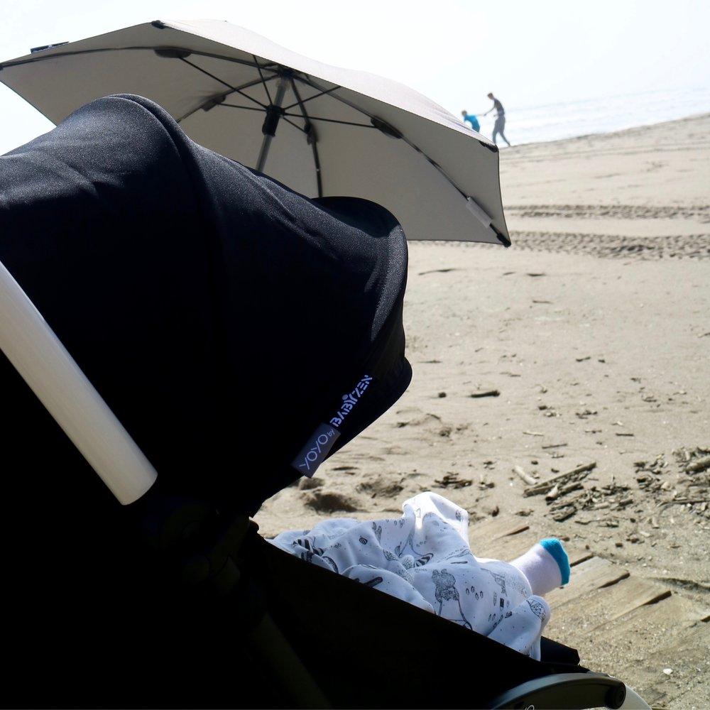 Babyzen Yoyo -rattaisiin saa lisävarusteena mm. aurinkovarjon tai kuppitelineen.