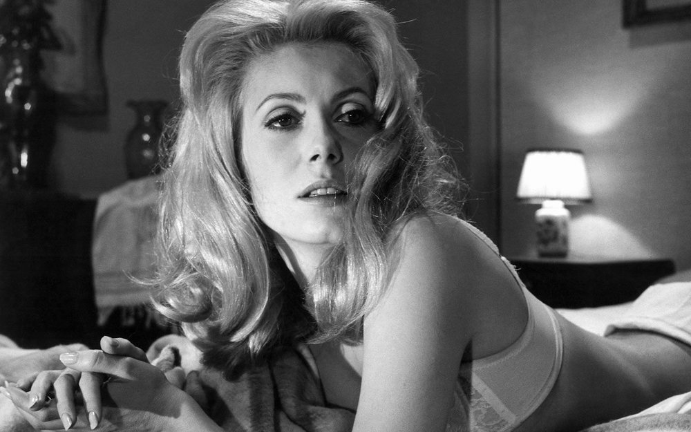 French Actress Catherine Deneuve to Attend Febiofest 2018 in Prague ... fe5582f94ef