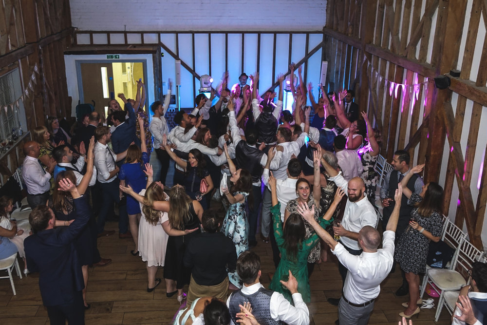 6 tips to ensure you have an awesome wedding reception